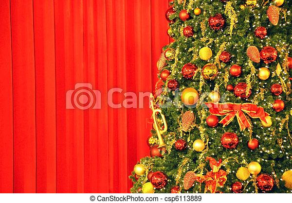に対して, 木, ひだのある布, クリスマス, 赤 - csp6113889