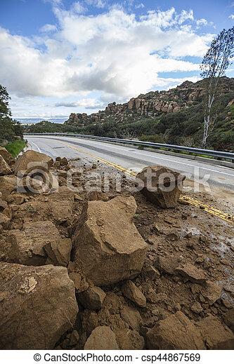 アンジェルという名前の人たち, los, 峡谷, 地すべり, ブロックする, 道 - csp44867569
