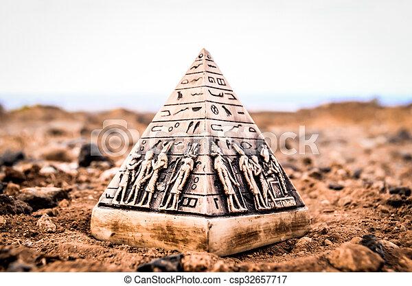 エジプト人, モデル, ピラミッド, ミニチュア - csp32657717