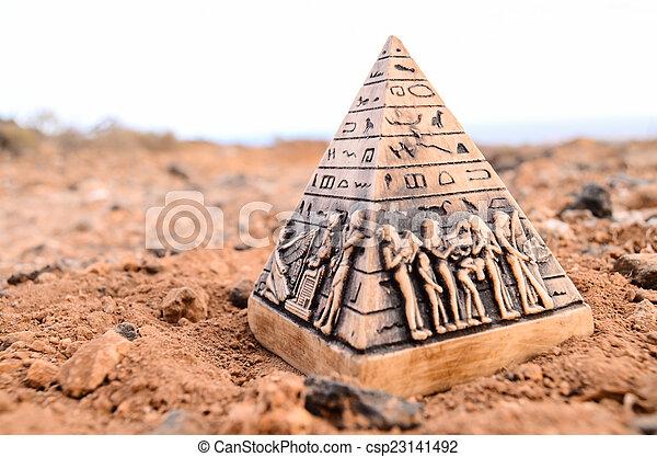 ミニチュア, モデル, ピラミッド, エジプト人 - csp23141492