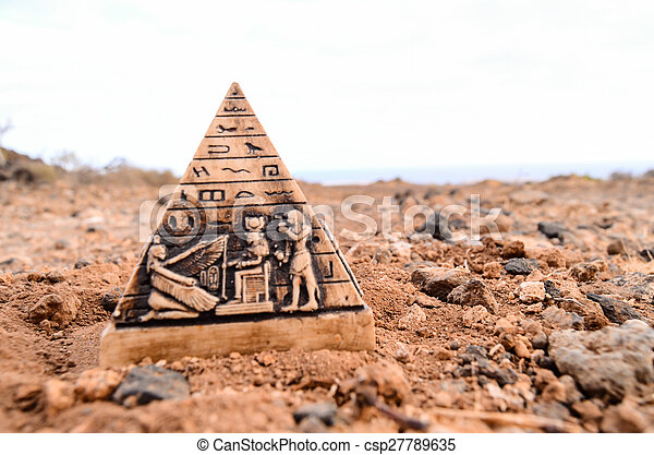ミニチュア, モデル, ピラミッド, エジプト人 - csp27789635