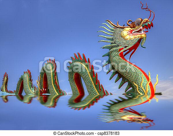 中国のドラゴン, 巨人 - csp8378183