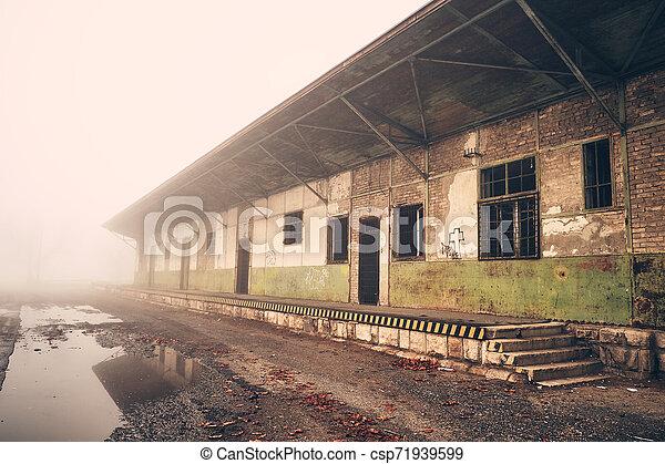 倉庫 - csp71939599