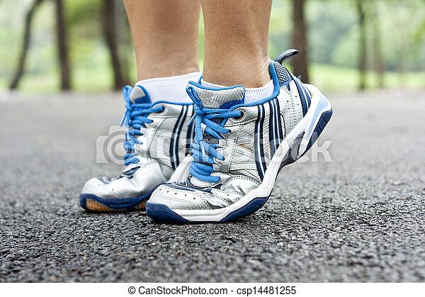 動くこと, スポーツの靴 - csp14481255