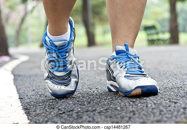 動くこと, スポーツの靴 - csp14481267