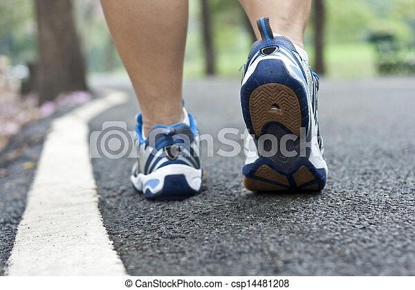 動くこと, スポーツの靴 - csp14481208