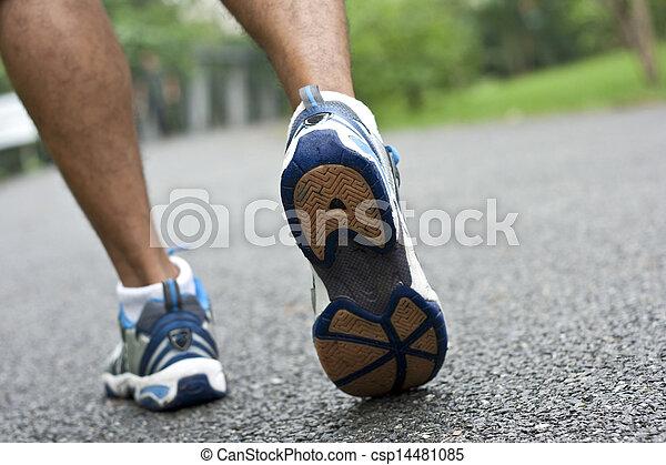 動くこと, スポーツの靴 - csp14481085
