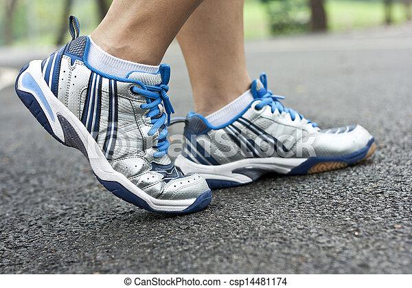 動くこと, スポーツの靴 - csp14481174
