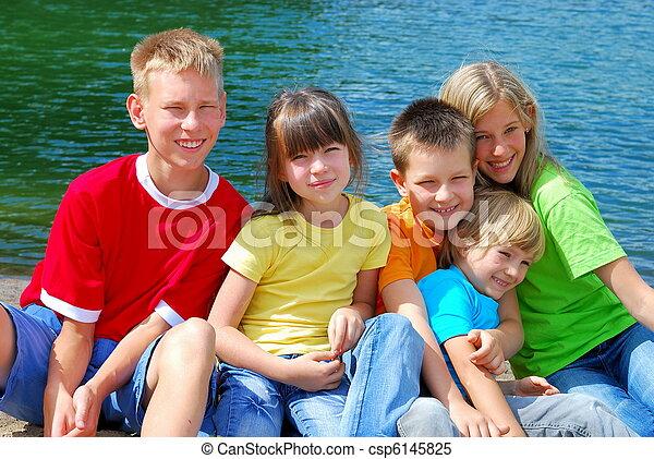 子供, 幸せ - csp6145825