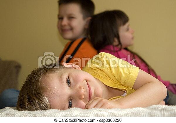 子供, 幸せ - csp3360220