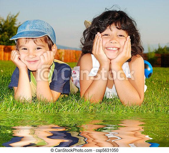 子供, 幸せ - csp5631050