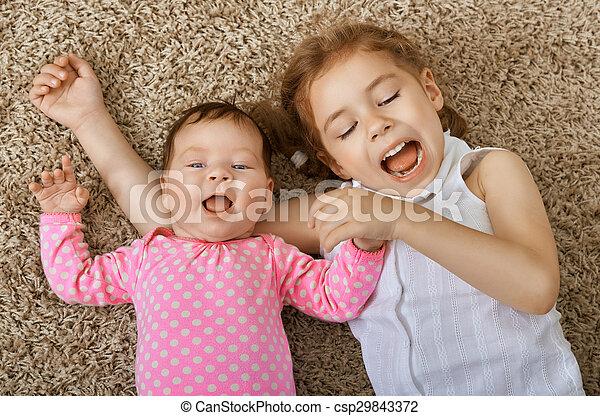 子供, 幸せ - csp29843372