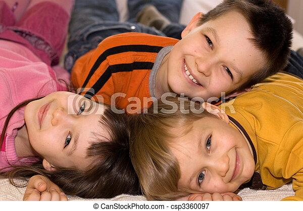 子供, 幸せ - csp3360097
