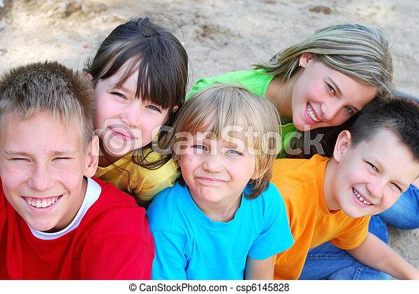 子供, 幸せ - csp6145828