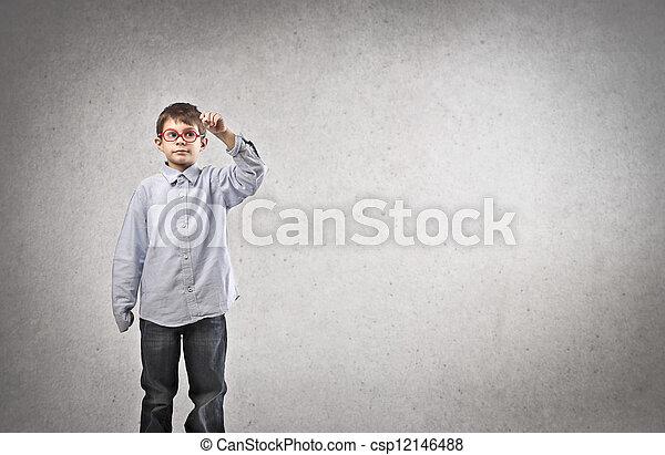 小さい子供 - csp12146488