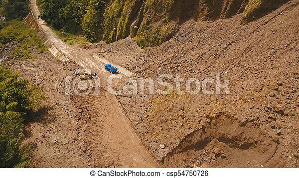 山。, camiguin, 道, 地すべり, 島, フィリピン。 - csp54750726