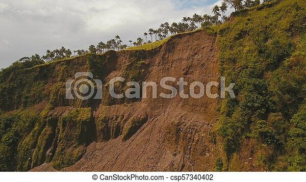 山。, camiguin, 道, 地すべり, 島, フィリピン。 - csp57340402