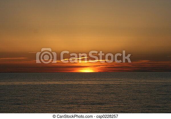 日没 - csp0228257