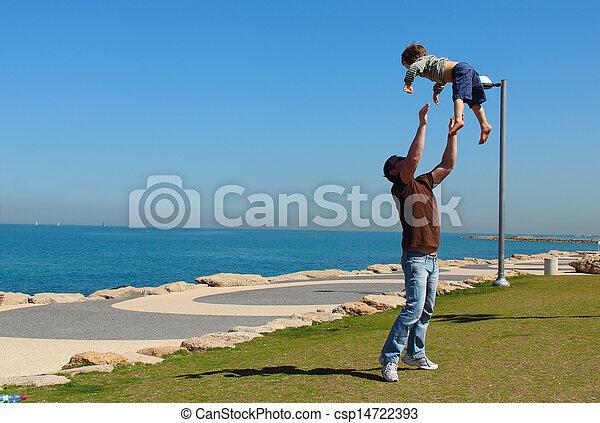 父, 息子 - csp14722393