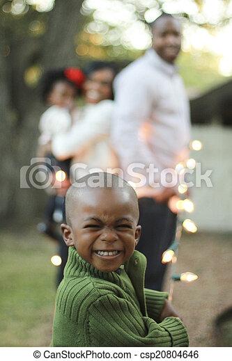 男の子, 黒, 若い 家族 - csp20804646