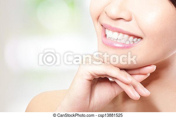 美しい女性, 若い, の上, 歯, 終わり - csp13881525