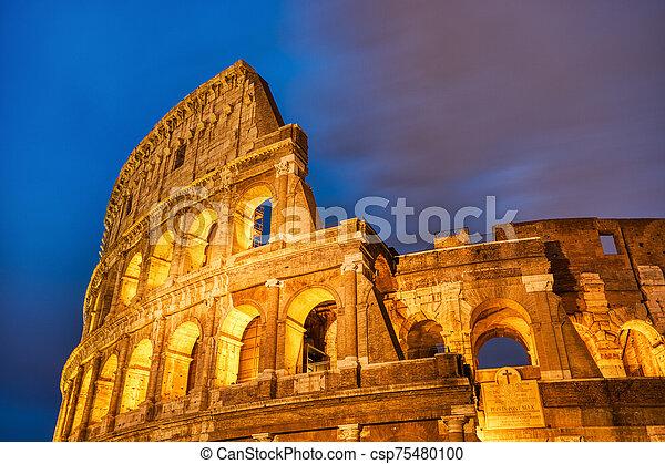colosseum, ローマ, 夕闇, 照らされた - csp75480100