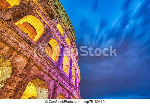 colosseum, 夕闇, 照らされた, ローマ - csp75169110